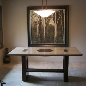 Fodel dining table